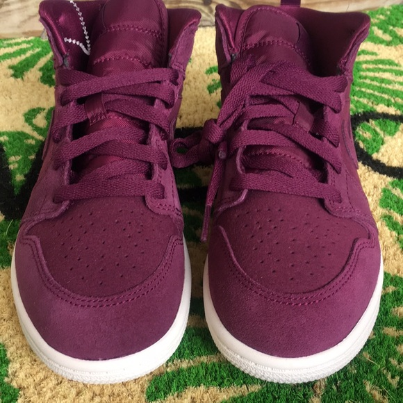 burgundy nike air jordans Shop Clothing